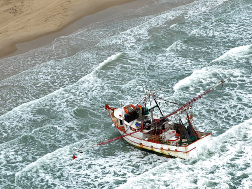 Mexican Shrimper Jackie C.  Grounded (credit: U.S. Coast Guard)